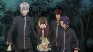 Tamaki, impuissante, protégé par ses gardiens (Hiiro no Kakera)