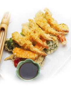 Oui, tu peux toujours déguster ces délicieux tempura, mais il ne faut pas boire de l'eau froide en mangeant.